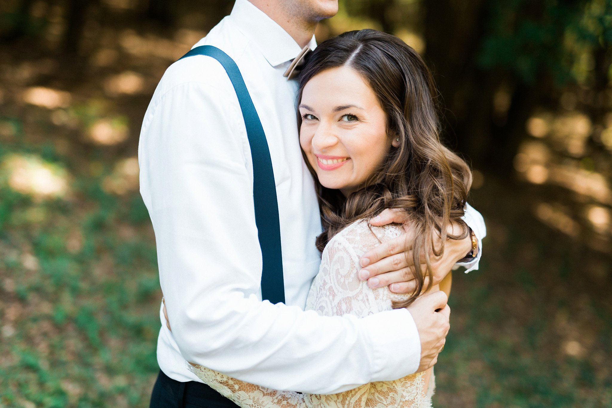 19-cute-couple-hugging-wedding