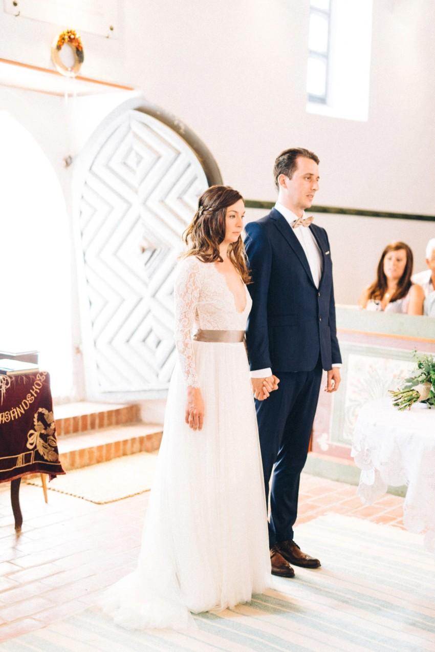 47-chapel-wedding-ceremony-photography