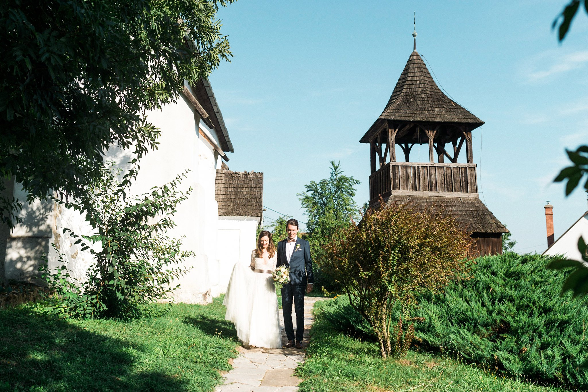 52-intimate-chapel-wedding