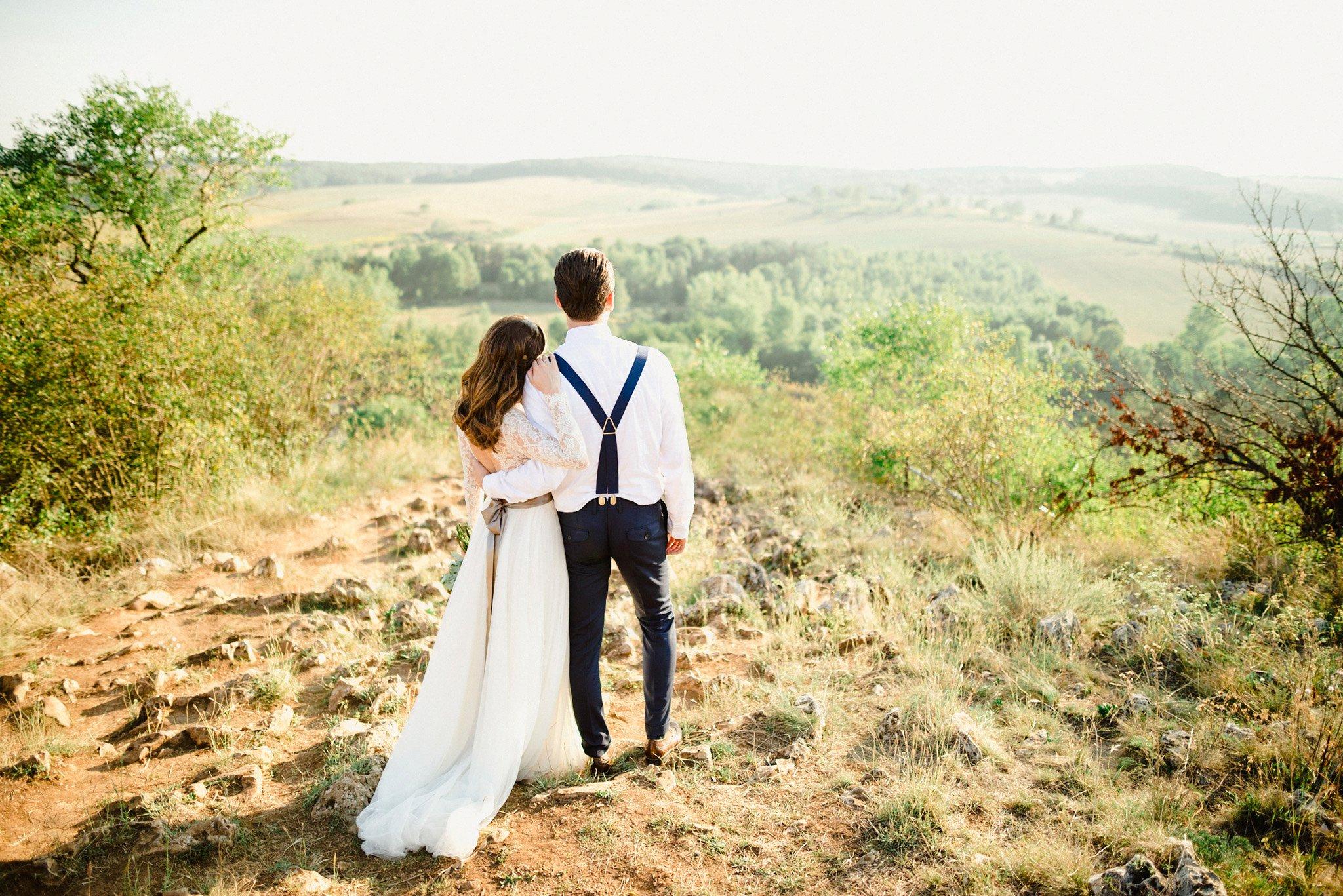 55-aggtelek-newlyweds-portrait