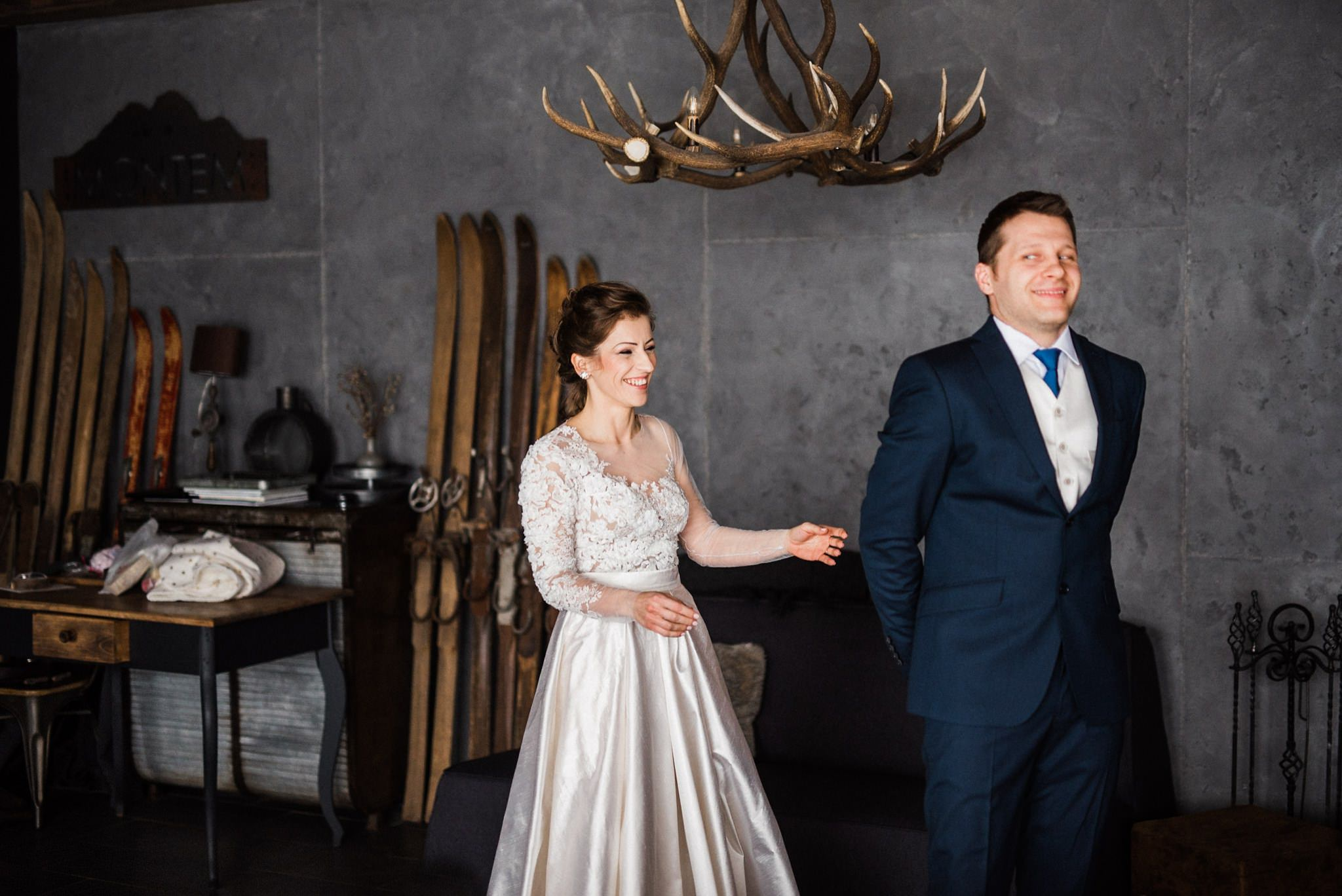 Charming Winter Wedding With Natural Decor