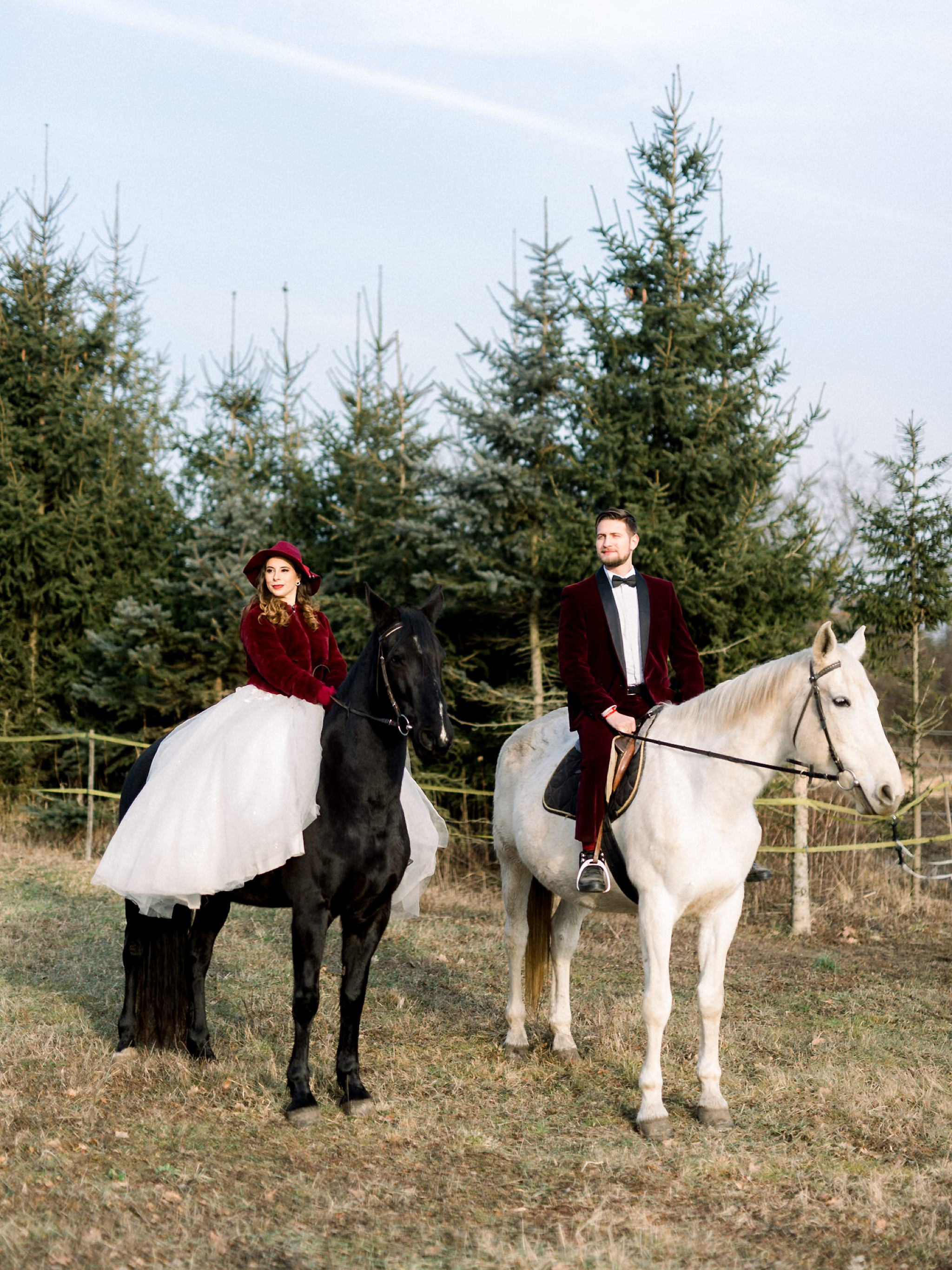 Sweet Winter Horseback Wedding Photoshoot 12